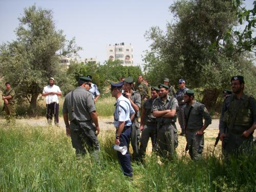 Soldiers, Police and Border police.  Itamar Ben-Gvir on the left